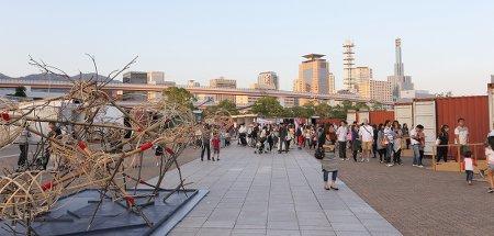 出典:http://www.kobe-biennale.jp/http://www.kobe-biennale.jp/